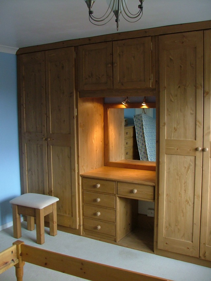 Bedroom cupboard designs with dressing table for Designs for bedroom cupboards