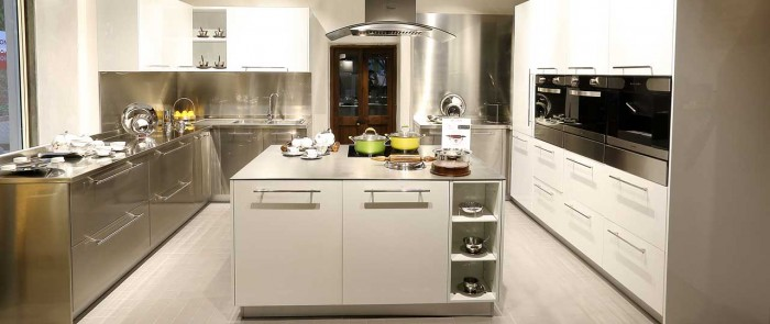 Kids rooms decorating idea for Steel modular kitchen designs